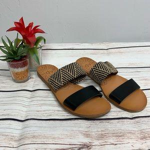 DV by Dolce Vita Deadra Aztec Black Flat Sandal